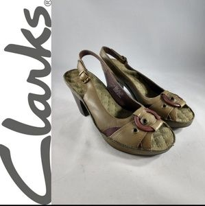 Indigo By Clarks 6 Olive Green Heels Sandals